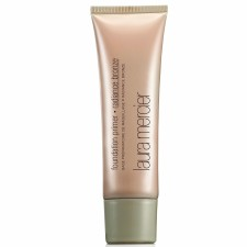 Foundation von Laura Mercier