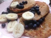 Amaranth-Pancakes mit alpro Joghurt
